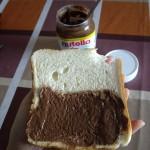 食パンにぬりぬり。のびはよい。
