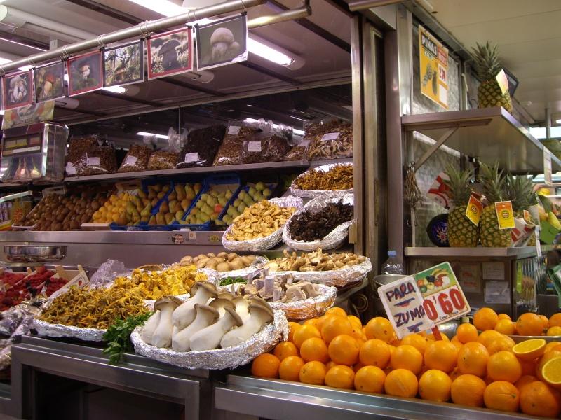生ジュース用のオレンジ1キロ60セント。キロ70円弱です!