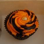 ものすごい色彩感覚のカップケーキ。かぼちゃではなくオレンジだそうだ。