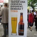 バレンシア産のビールだそうです。1瓶2ユーロ。これは市内でも見たことある