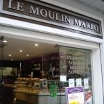 フランス風のパンを売っているパン屋さん。ここで朝ご飯。