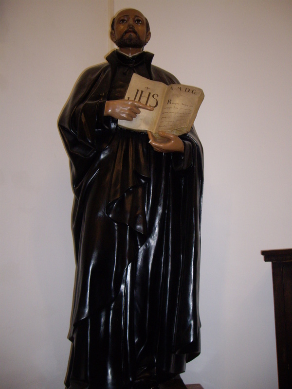 日本になじみ深いイグナシオ・ロヨラの像も。