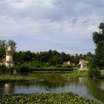 プティトリアノンののどかな農村風景。