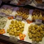 なんとアジア系のお総菜も。種類もかなり充実しています。