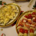 アーティチョークとチーズ、ハム、メロン、チェリートマトの前菜。