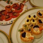 トマトとアンチョビ、パイ生地にスタッフィングした前菜。