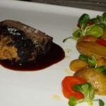 イノシシの肉の中にフォアグラとキャベツの入ったもの。