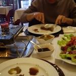 ちょっと日本の焼き肉を思い出します。