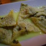 生ラビオリ。中身はイタリアのソーセージと玉ねぎ。ソースはあっさりのバターソース。