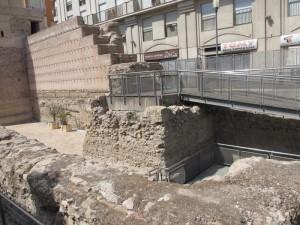 昔の城壁あと。