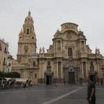 カテドラルと広場。