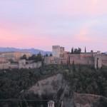 日没のアルハンブラ宮殿。