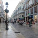 歩行者天国のCalle Marqués de Larios(マルケス・デ・ラリオス通り)。スペインの大都市にあるお店はほぼ全て揃っていました。