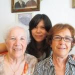 記念撮影。イサベルおばさんは美白完璧です。