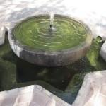 グラナダのアルハンブラ宮殿のような噴水。
