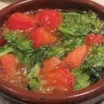 トマトと菜の花のアヒージョ。こちらは創作でサービスで出してもらいました。妹大絶賛。