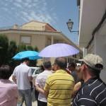 大行列。そして日傘??