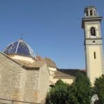 信心深い村だとかで、大きな教会や修道院があります。