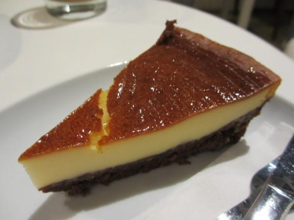 チーズケーキ。すごいボリュームだった。