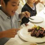 肉食ではない甥っ子も、大きなステーキに大喜び。