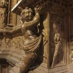 レリーフ。教会ですが、ローマ神話が混ざっていたり…。