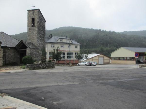 何もない村。Piedrafita del Cebreroと村だそうです。