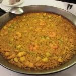 Paella del senyoret(パエージャ・デル・セニョレッ)。食べやすいように海老の殻などは全て剥いてある、具だくさん魚介パエリア。