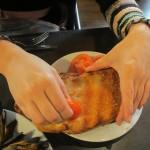Pan con Tomate(パン・コン・トマテ)はこうやって食べます。