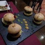 アンガス牛のミニハンバーガー。