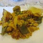 バレンシア風パエリアにぺロタ(Pelota)と呼ばれる肉団子を入れた物。おこげもバッチリ。