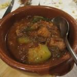 スペインのラタトゥイユ、ピスト。野菜だけではなく、ここのはチョリソやソーセージがはいっています。