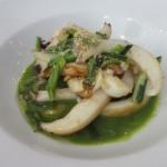 前菜2。イカとニンニクの芽の炒め物。