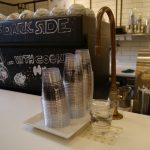 スペインでは珍しい飲料水のサービス。