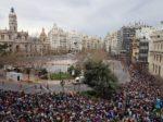 バレンシアの火祭り:爆竹ショーが始まる直前