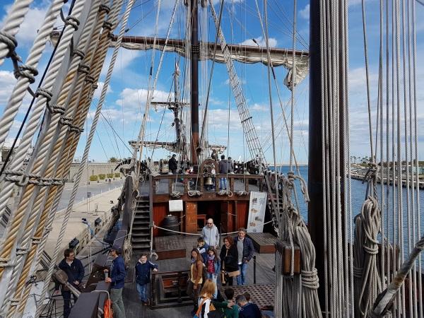 Galeón Andalucíaに乗船可能。