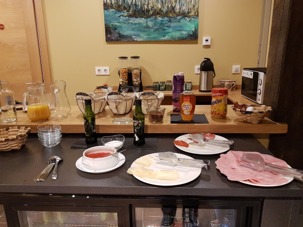 「Iratiko Urkixokoa」の朝食。